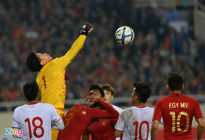 HLV Hoang Van Phuc: 'U23 Viet Nam the hien tinh than tot' hinh anh 2