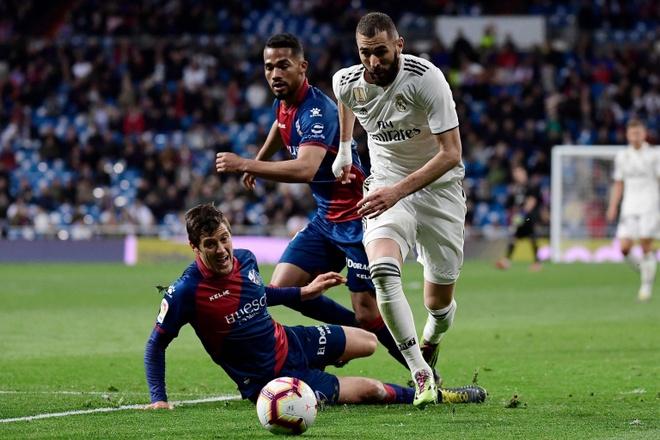 HLV Zidane dong vien con trai sau tran ra mat cung Real hinh anh 2
