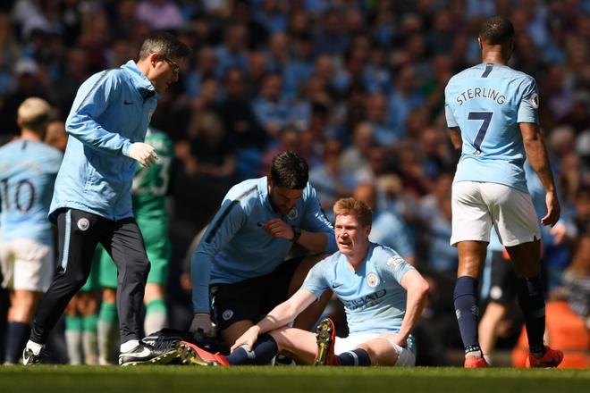 HLV Guardiola: 'Man City khong con so Old Trafford' hinh anh 2