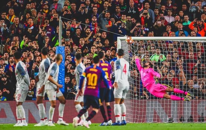 Messi khang dinh gap may khi sut phat tung luoi Liverpool anh 1