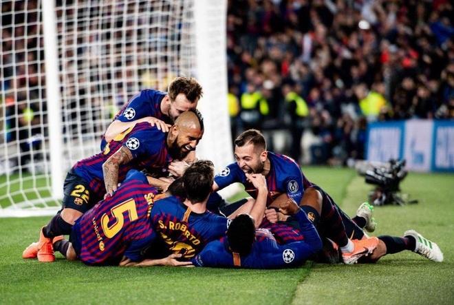 Messi khang dinh gap may khi sut phat tung luoi Liverpool anh 2