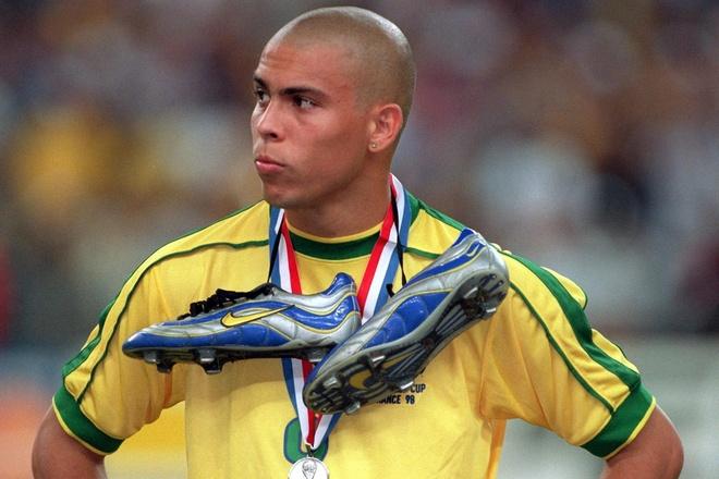 Ronaldo 'beo' va con dong kinh bi an nhat lich su World Cup hinh anh