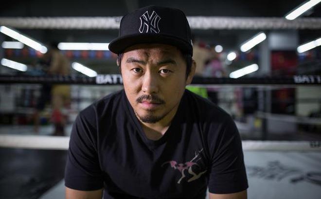 Tu Hieu Dong cho cao thu Vinh Xuan nhap vien sau 47 giay hinh anh