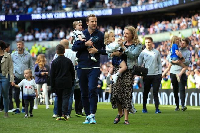 3 CDV Tottenham tra gia vi ban ve chung ket ra cho den anh 2