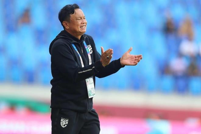 Ông Sirisak có thể bị sa thải sau King's Cup 2019.