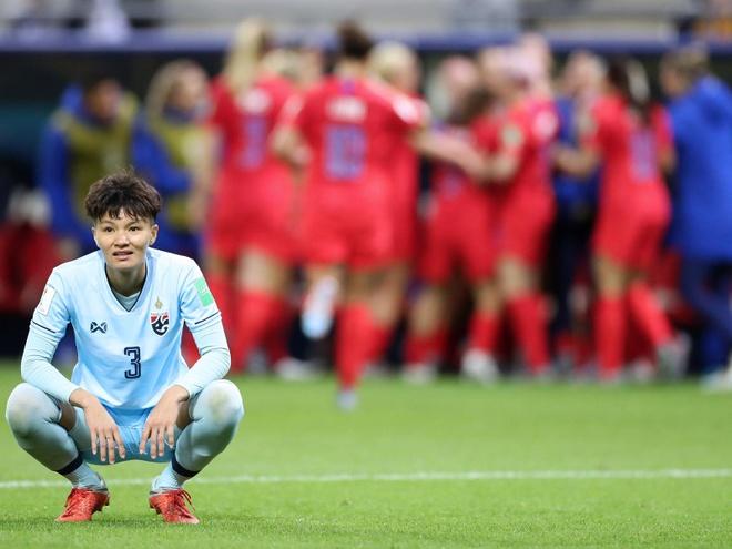 CDV Thai Lan: 'Chung ta phai tu hao sau tran thua 0-13' hinh anh 1