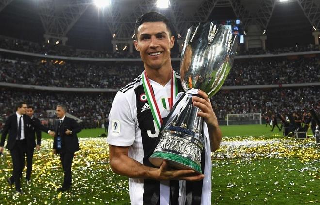 Juventus sap cong bo HLV Sarri dan dat Ronaldo mua toi hinh anh 2