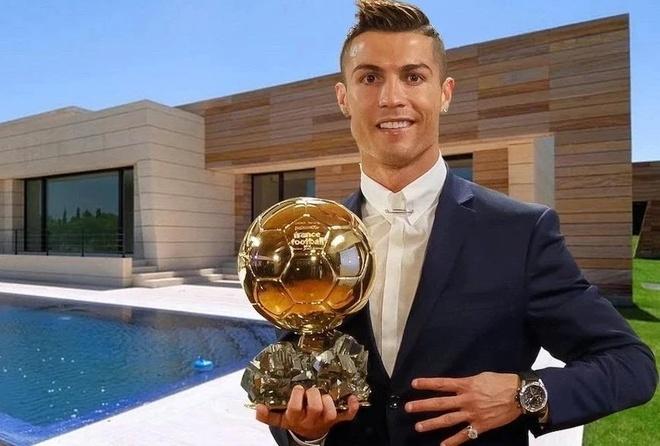 Cristiano Ronaldo choi bong o biet thu tri gia 6 trieu USD hinh anh