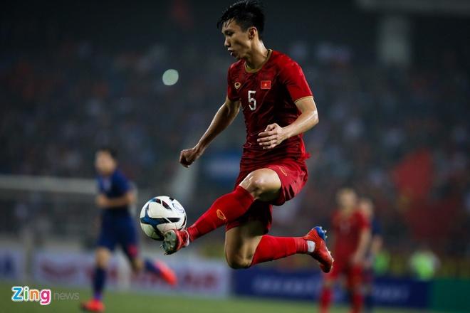 Van Hau sang chau Au khoac ao CLB Austria Wien anh 1