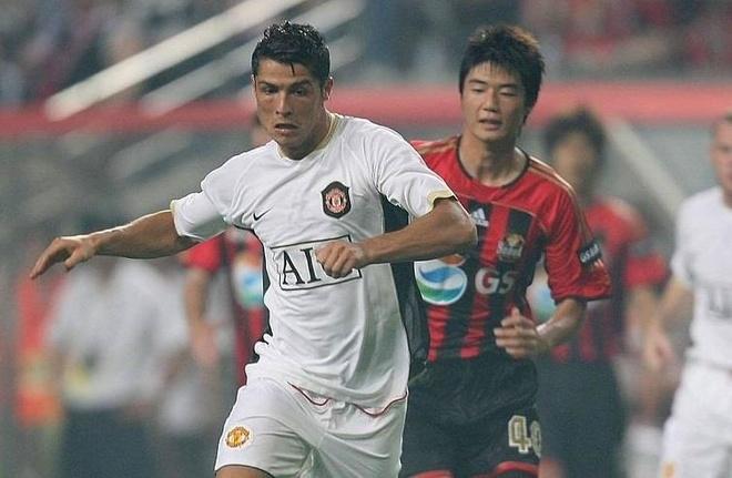 Ronaldo sang Han Quoc cham tran cac ngoi sao giai K.League hinh anh 2
