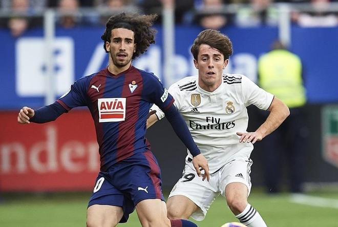 Barcelona don tan binh thu tu o phien cho he 2019 hinh anh 1
