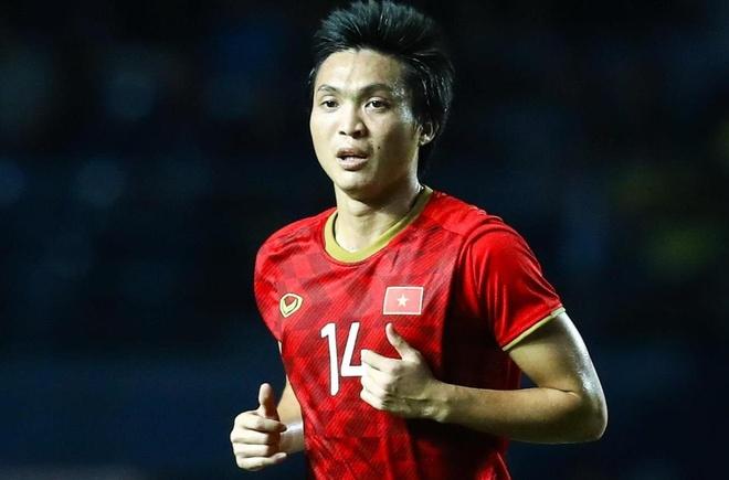 Nguyen Tuan Anh va nhung cu sut xa thanh ban dep mat hinh anh