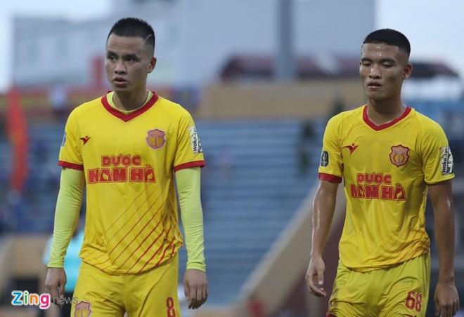 CLB Nam Dinh thua sau su co mat dien hy huu o san Thien Truong hinh anh 8