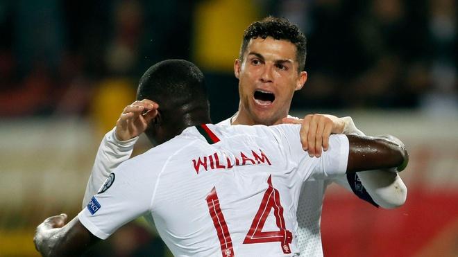 Ronaldo mang niem vui cho con trai Matic hinh anh