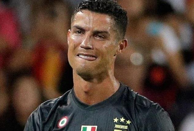 Ronaldo va nhung lan khong kim che cam xuc tren san hinh anh