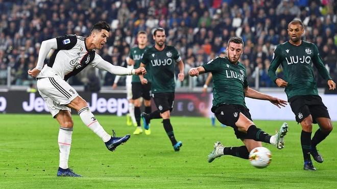 Ronaldo ghi ban thu 701, Juventus ha Bologna hinh anh 1