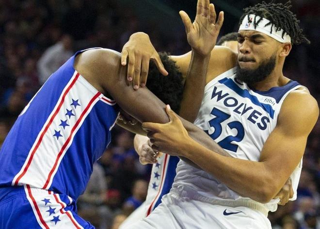 Hai ngoi sao bong ro danh nhau o giai NBA hinh anh