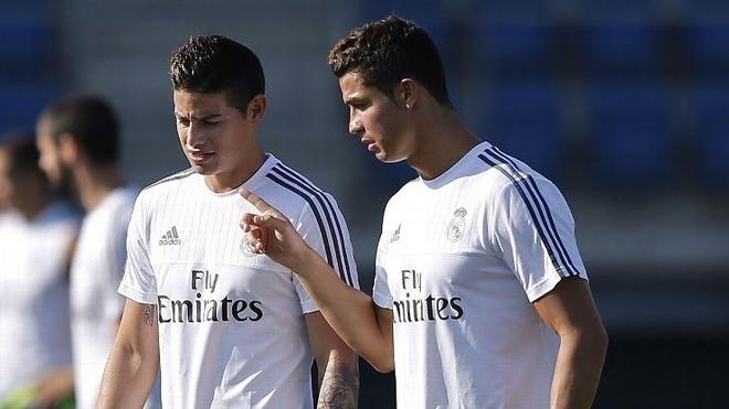 Ronaldo yeu cau Juventus chieu mo sao Real hinh anh 1