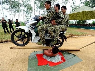 'Tuyet dinh cong phu' dac cong Viet Nam qua bao nuoc ngoai hinh anh