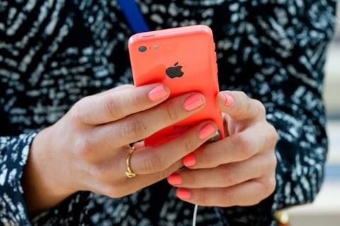 Vi sao iPhone 5S, 5C co doanh so 'khung'? hinh anh