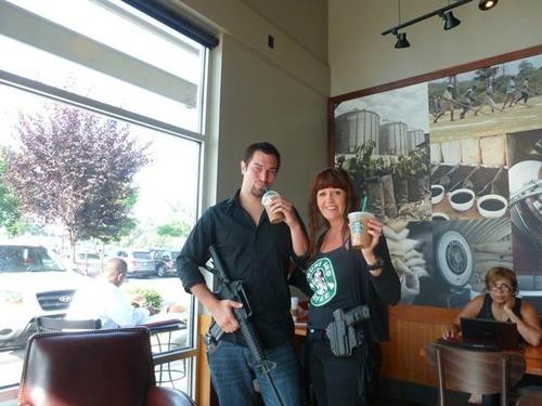 Starbucks va 4 chinh sach khien khach hang phat dien hinh anh 3