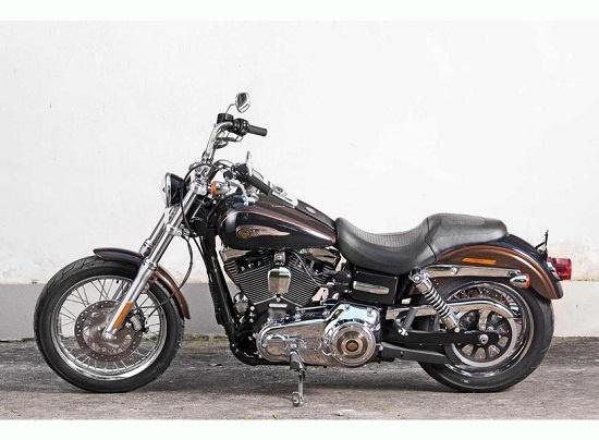 Giao hoang cung so huu Harley-Davidson hinh anh