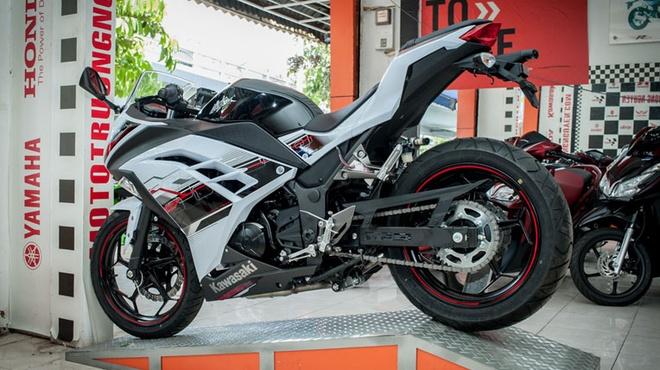Kawasaki Ninja 300 ABS ve Viet Nam voi gia 300 trieu dong hinh anh 5 Xe được bán tại Việt Nam với giá 300 triệu đồng.