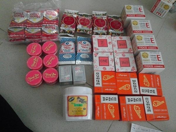 Viem da vi kem tron thu cong gia vai chuc ngan hinh anh 1 Những loại nguyên liệu dùng để trộn kem dưỡng da.
