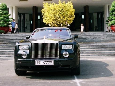 Vi sao Rolls-Royce cua ba Bach Diep la doc nhat vo nhi? hinh anh 4 Chiếc Rolls Royce Phantom hồi mới làm xong biển số sau tết Nguyên đán năm 2008.