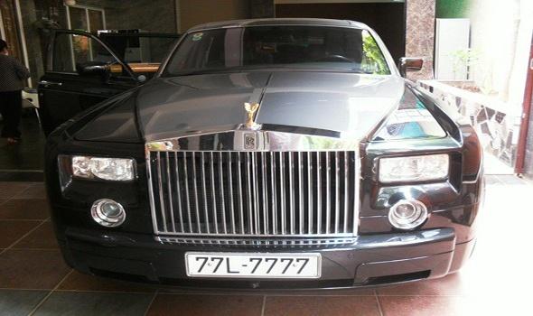 Vi sao Rolls-Royce cua ba Bach Diep la doc nhat vo nhi? hinh anh 1 Chiếc Rolls Royce Phantom trong sân tư gia của bà Dương Thị Bạch Diệp.