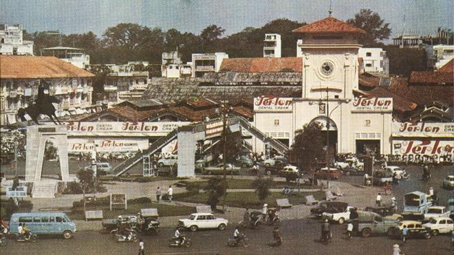Image result for chợ Bến Thành trước năm 1975
