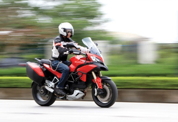 Ducati Multistrada 1200 2014 - chiec xe 4 trong 1 hinh anh