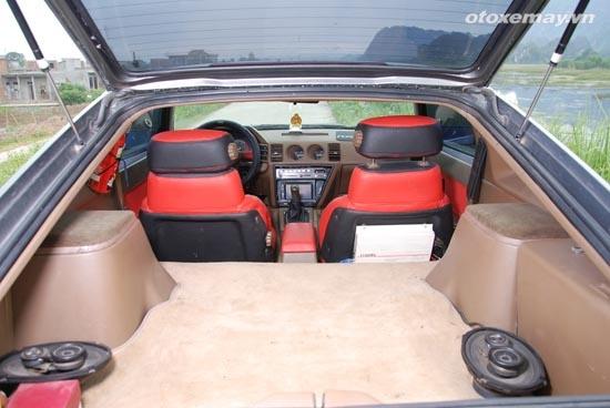 Nissan Z31 hang hiem van chay tot sau gan 30 nam hinh anh 8 Cốp sau dài nhưng không rộng.