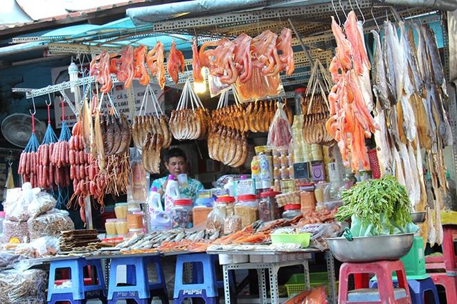 Di cho Campuchia, Han Quoc o Sai Gon hinh anh