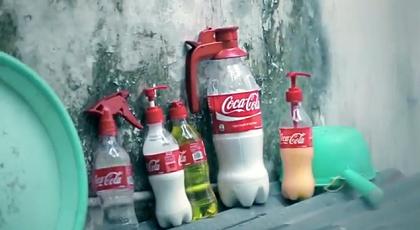 Nhung chien dich gay sot cua Coca-Cola hinh anh 3 Biến những chai coca cola thành những vật dụng hữu ích và thân thiện là chiến dịch PR thông minh và đầy ý nghĩa.