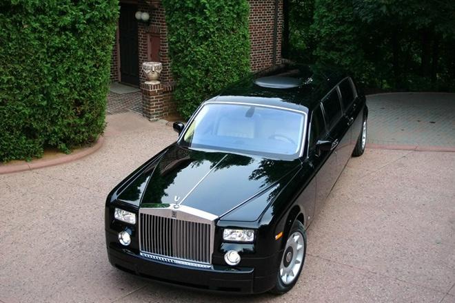 4. Rolls Royce Phantom Limo với trị giá <abbr class=