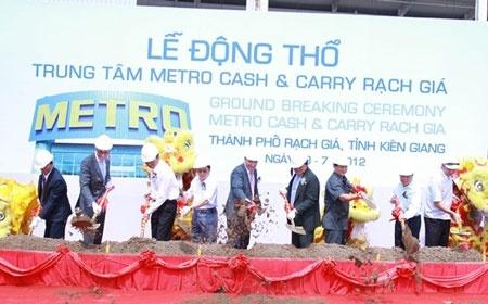 Van Bai Metro: Banh Truong Dat Vang, Om Tien Ra Di Hinh Anh 1