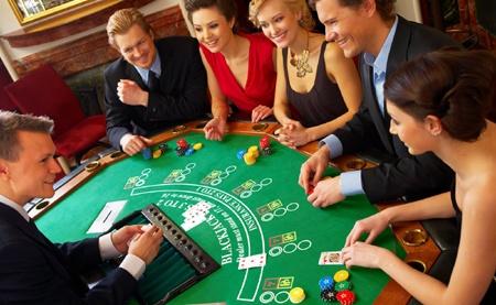 Trinh so tiet kiem 2 ty moi duoc vao choi casino? hinh anh