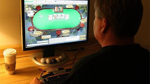 Singapore muon quan ly danh bac truc tuyen hinh anh 1 Chơi bài bạc trên mạng có thể sẽ bị cấm ở Singapore.