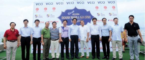 Giac mo doanh nghiep Viet hang tram nam tuoi hinh anh 2 Các thành viên sáng lập Hội đồng Doanh nhân và Gia đình Việt Nam.