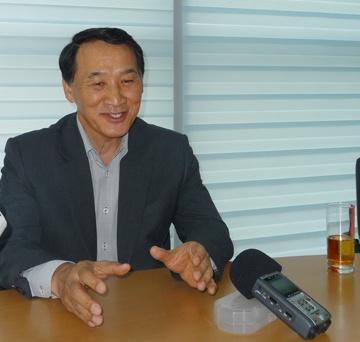 Samsung: Dau tu vao Viet Nam on dinh hon hinh anh