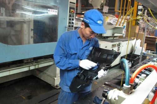 Các DN sản xuất linh kiện trong nước phàn nàn rằng việc gặp gỡ tiếp xúc trực tiếp với các tập đoàn để tìm hiểu cơ hội hợp tác sản xuất, kinh doanh là rất khó.
