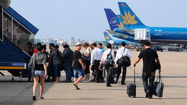 Tao von xay san bay Long Thanh bang dat Tan Son Nhat? hinh anh