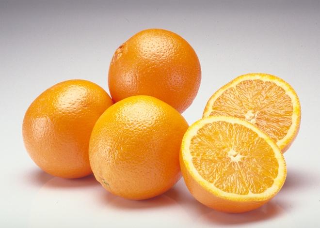Nhung cach ket hop thuc pham sai lam gay hai cho co the hinh anh 13 Nước cam có chứa nhiều axit nên không nên kết hợp với thuốc chống axit có chứa nhôm.