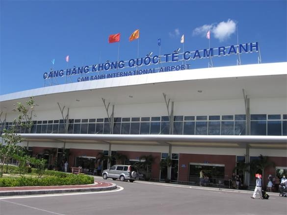 De xuat ban dat lay tien nang cap san bay Cam Ranh hinh anh