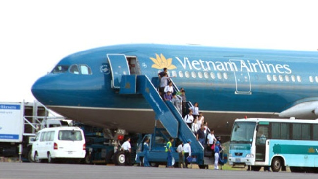 Thi truong dinh gia Vietnam Airlines khoang 31.400 ty dong hinh anh