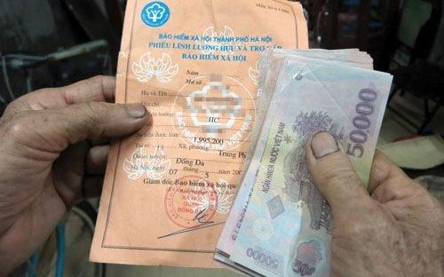 Tin vui cho nguoi nghi huu co luong thap hinh anh 1 Cán bộ xã đã nghỉ hưu, không phân biệt thời điểm sẽ được tăng 8% lương từ 1/1/2015.