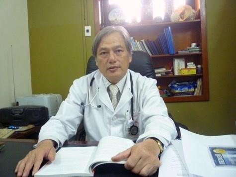 Viet kieu nhap vien vi phoi tran ngap san hinh anh 2 Thạc sĩ Nguyễn Hồng Hà chia sẻ về bệnh sán lá phổi.