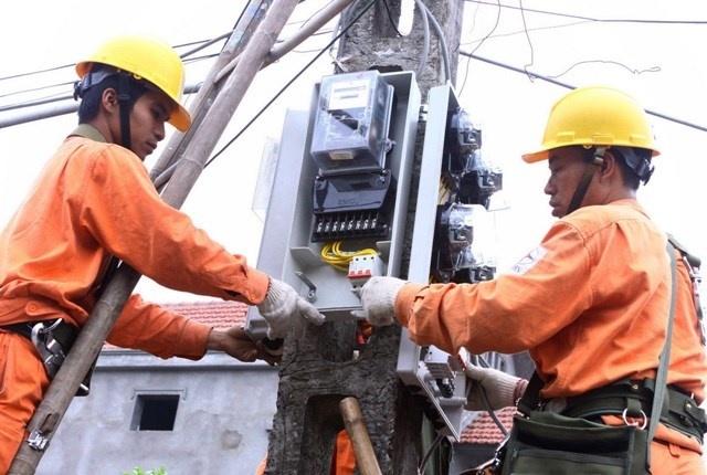 Gia dien sap tang soc: EVN can tien de tra no hinh anh 1 EVN đang đề xuất trình Chính phủ phương án tăng giá điện thêm 9,5%.