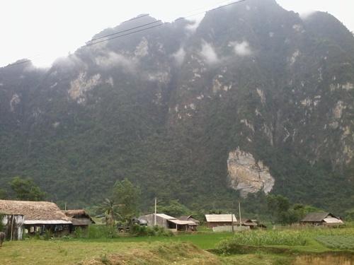 Su that phu phang ve huyet linh 'cai lao hoan dong' hinh anh 1 Bản Lùng Trang, nơi từng rộ phong trào lên núi tìm huyết hầu.